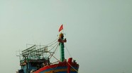 Tàu cá và 16 ngư dân gặp nạn phát tín hiệu cấp cứu trên biển