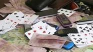 Nhóm đánh bạc trong lán hoang ở Nghệ An lĩnh án