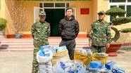 Phát hiện bè buôn lậu khẩu trang y tế ở khu vực biên giới