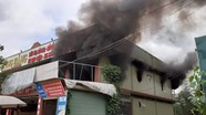 Cháy lớn ở cửa hàng nội thất tại Nghệ An
