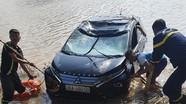 Ô tô 7 chỗ lao xuống sông, 3 người tử vong