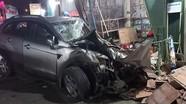 Ô tô nổ lốp, mất lái đâm vào nhà dân, 3 người chết, 4 người bị thương