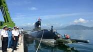 Tàu ngầm Kilo Việt Nam nạp đạn Club-S