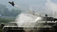 Sức mạnh xe chiến đấu Việt Nam phóng được tên lửa