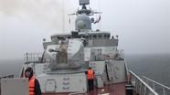 Trải nghiệm hiếm có: Tàu hộ vệ Trần Hưng Đạo đi trong bão lớn