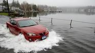 Cách khởi động lại ô tô bị ngập nước, tránh thủy kích