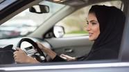 Phụ nữ Ả Rập Saudi lần đầu tiên được ngồi sau tay lái ô tô