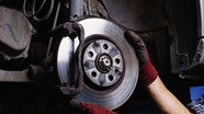 Những thói quen dễ gây hại cho phanh ôtô
