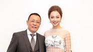 Lại Văn Sâm bên Jennifer Phạm mặc váy xuyên thấu