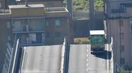 Hy hữu: Tài xế xe tải thoát chết trong gang tấc khi cầu cao tốc ở Italy sập