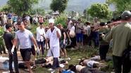 12 người chết sau vụ xe khách và chạm với xe bồn