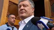 Cựu tổng thống Ukraine Piotr Poroshenko bị ném trứng