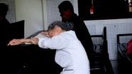 Người mẹ khóc ngất khi vượt hơn 700 km từ Quảng Nam ra Nghệ An gặp con tại tòa
