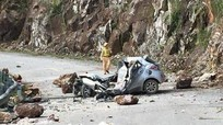 Ôtô bị đá rơi đè bẹp rúm, một người tử vong
