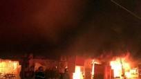 """""""Bà hỏa"""" thiêu rụi khu nhà cấp 4 ở thành phố Vinh"""