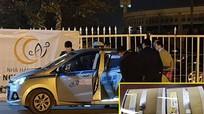 Vụ tài xế taxi bị cứa cổ trước sân vận động: Hung thủ để lại tang vật trên xe