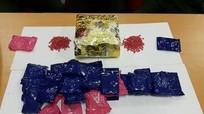 Bắt đối tượng vận chuyển 1.800 viên ma túy tổng hợp từ Lào về