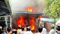 Phóng hỏa đài truyền thanh để phi tang tài liệu