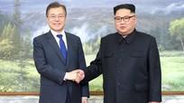 Tổng thống Hàn Quốc và lãnh đạo Triều Tiên bất ngờ gặp mặt