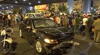 Nữ doanh nhân lái BMW tông loạt xe ở Sài Gòn nhận 'có bia rượu'