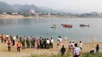 Tám học sinh chết đuối ở Hòa Bình