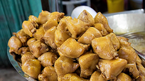 Phụ phẩm gà giá rẻ đổ vào Việt Nam
