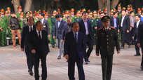 Thủ tướng Chính phủ và các đồng chí lãnh đạo Trung ương đến viếng 3 chiến sĩ hy sinh tại Đồng Tâm