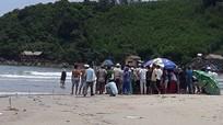 5 học sinh bị sóng cuốn khi dự sinh nhật trên biển