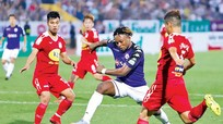"""Những cuộc """"tháo chạy"""" của bóng đá Việt Nam"""