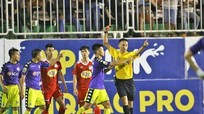 Hai trọng tài từ chối bắt trận lượt về Hoàng Anh Gia Lai với CLB Hà Nội