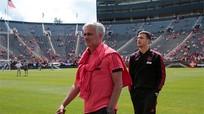 CĐV Man Utd tại Mỹ đòi sa thải Mourinho