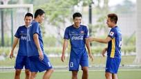 """Olympic Việt Nam có đá """"chấp"""" cầu thủ trên 23 tuổi như Thái Lan?"""