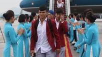 Hàng ngàn người nô nức chào đón tuyển Olympic Việt Nam về nước