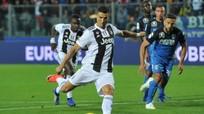 Ronaldo tự giành danh hiệu Quả bóng vàng thứ 6; MU chạy đua ký Tanguy Ndombele