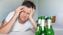 Tại sao bạn bị choáng váng sau một đêm uống rượu?