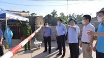 Video: Phó Chủ tịch UBND tỉnh kiểm tra công tác phòng chống dịch ở thị xã Hoàng Mai
