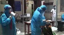Ổ dịch BVĐK Minh An (Quỳnh Lưu) phức tạp, hàng ngàn người lấy mẫu xét nghiệm Covid-19 xuyên đêm