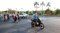 Thực hiện Chỉ thị 16, nhiều người dân TP Vinh vẫn ra đường khi không có việc thực sự cần thiết