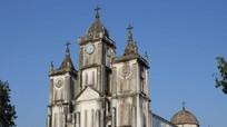 Lãnh đạo tỉnh Nghệ An chúc mừng Tòa Giám mục Giáo phận Vinh nhân dịp Lễ Quan thầy