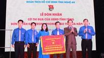Tỉnh đoàn Nghệ An nhận Cờ thi đua của UBND tỉnh trao tặng