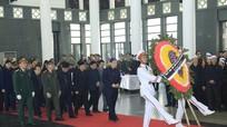 Hơn 1.500 đoàn đến viếng Chủ tịch nước Trần Đại Quang ngày 26/9