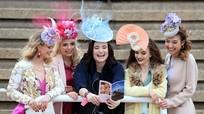 Lễ hội thời trang bên lề cuộc đua ngựa lớn nhất Vương quốc Anh