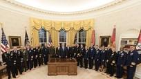 """Bức ảnh gây chú ý của ông Trump giữa lúc Syria """"căng như dây đàn"""""""