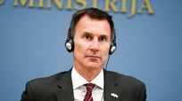 Anh hối thúc Mỹ, châu Âu chống lại Nga, kiềm chế Putin
