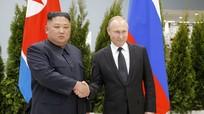 Không trễ hẹn như thường lệ, Putin đến trước 30 phút chờ Kim Jong-un