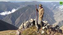 Tổng thống Nga Putin vào rừng hái nấm và leo núi mừng sinh nhật