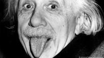 Chuyện ít biết về bức ảnh 'thè lưỡi' để đời của thiên tài Albert Einstein