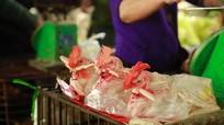 Làm gà cúng Tết, giá cao gấp 3 ngày thường, nhiều cơ sở từ chối 'nhận hàng'