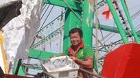 Tàu thuyền Nghệ An về tránh áp thấp nhiệt đới với lượng lớn cá hố giá trị