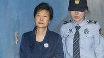 Cựu Tổng thống Hàn Quốc bị tố nhận hối lộ hơn 3 tỷ won từ Cơ quan tình báo